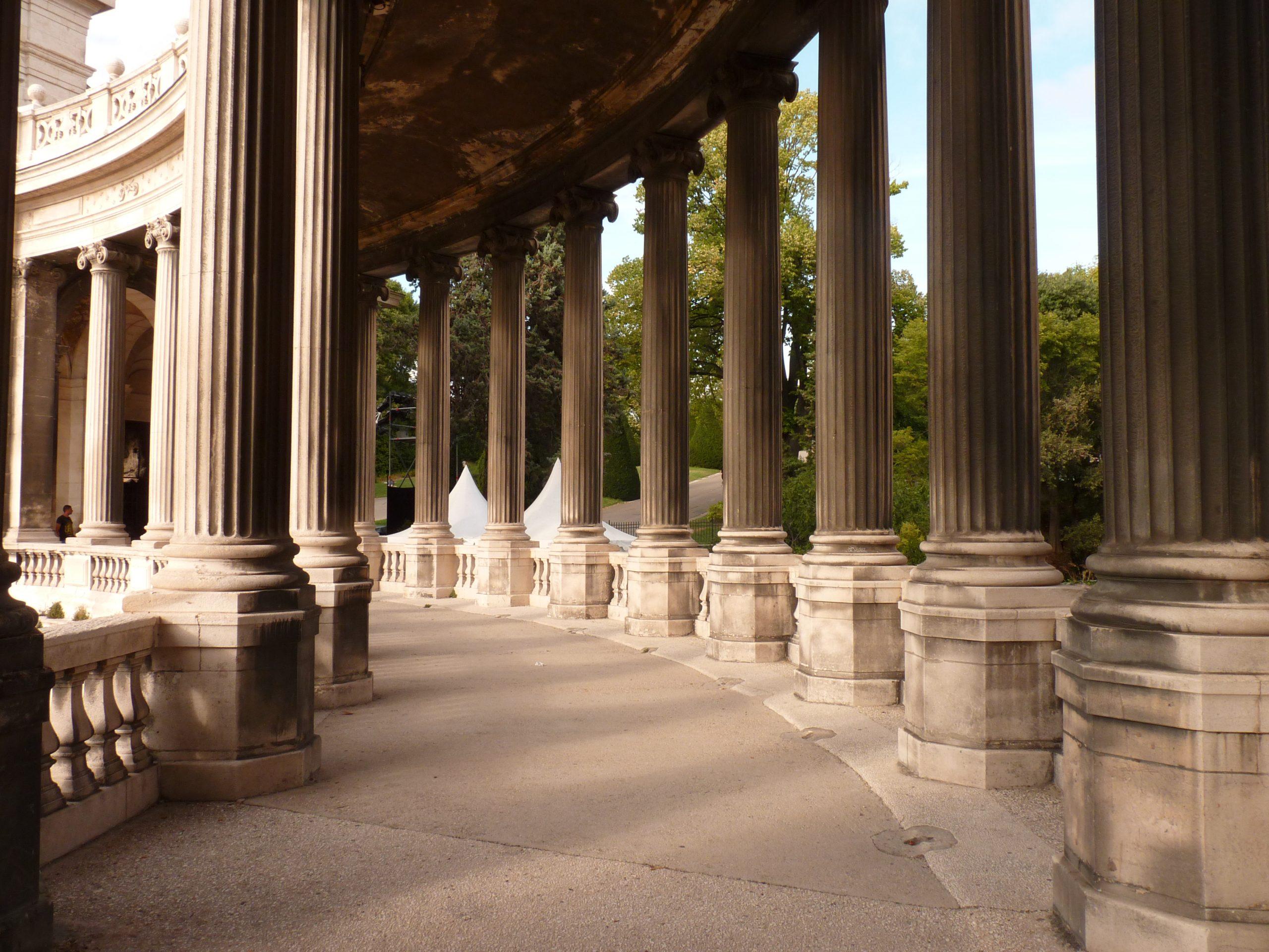 Colonnade Longchamp